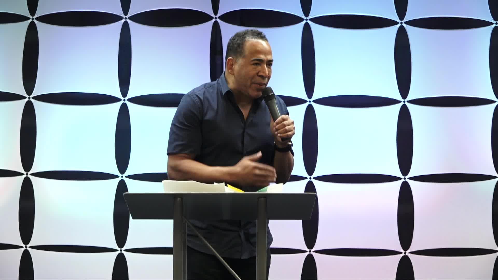 Tim Storey At The Body Of Christ Church International 08-17-2018-1
